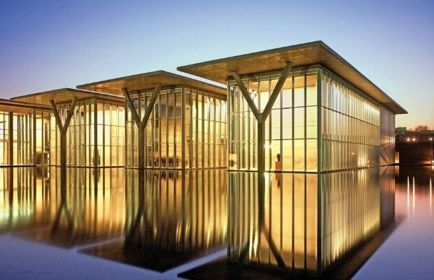 Modern Art Museum.jpg.jpe