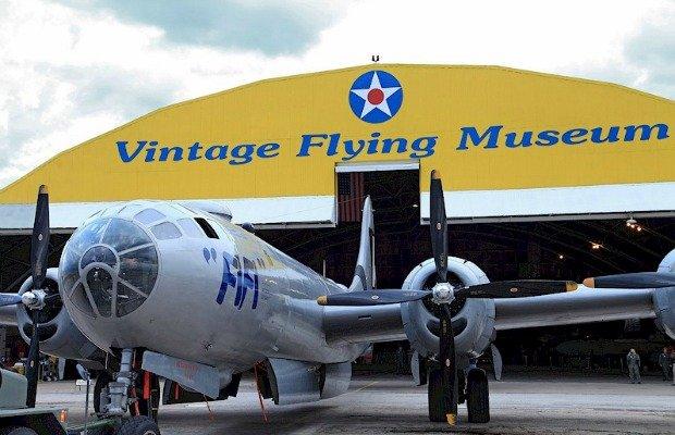 Vintage Flying Museum.jpg.jpe