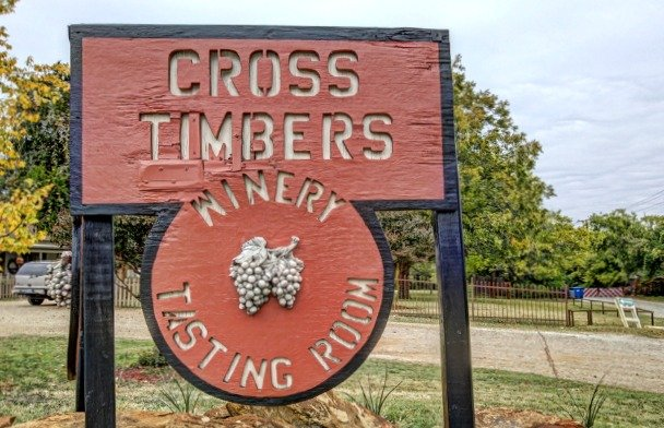 Cross Timbers Winery.jpg.jpe