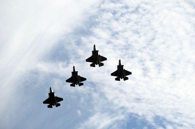 LockheedPlanes_WEB.jpg.jpe
