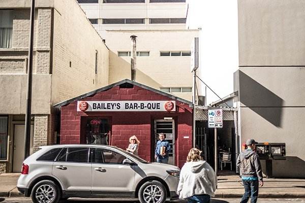 Hi-Res Bailey's Bar-B-Que-4.jpg.jpe