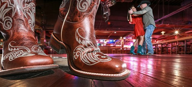 Billy Bob's Dancing - online - fwtx.jpg