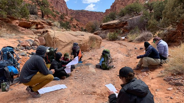 Students backpacking in Utah
