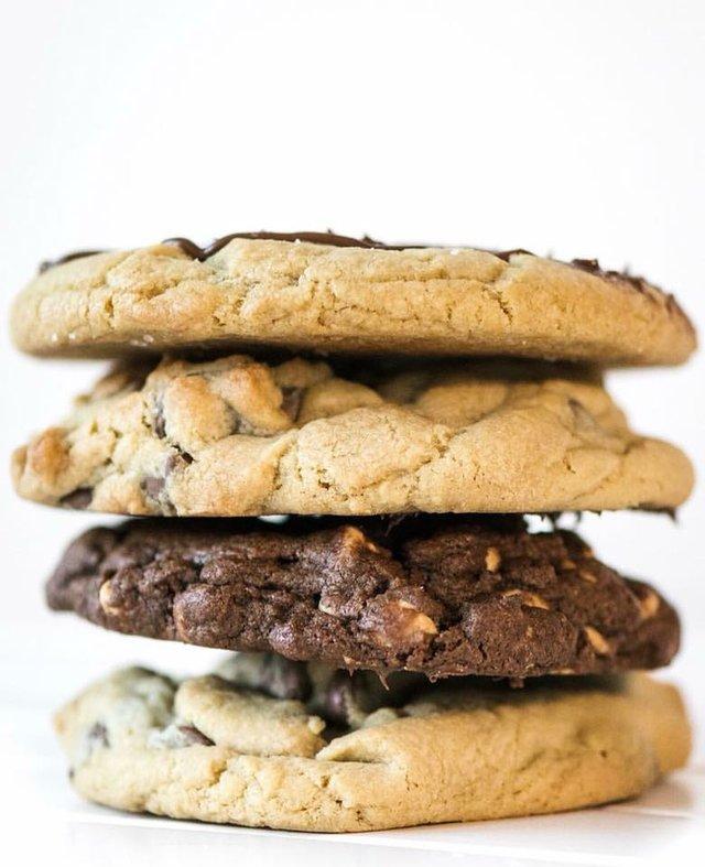 Crumbl Cookies - online - fwtx.jpg