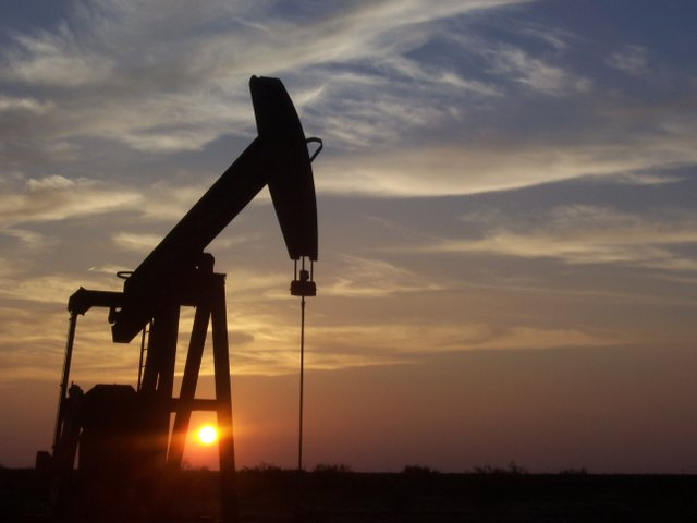 West_Texas_Pumpjack.JPG