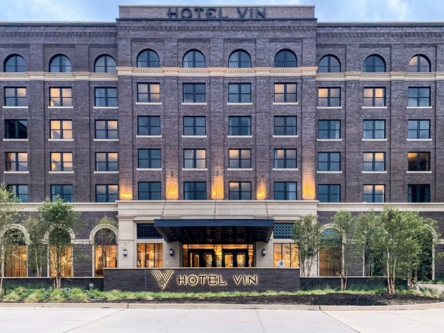 Hotel-Vin-Entrance.jpg