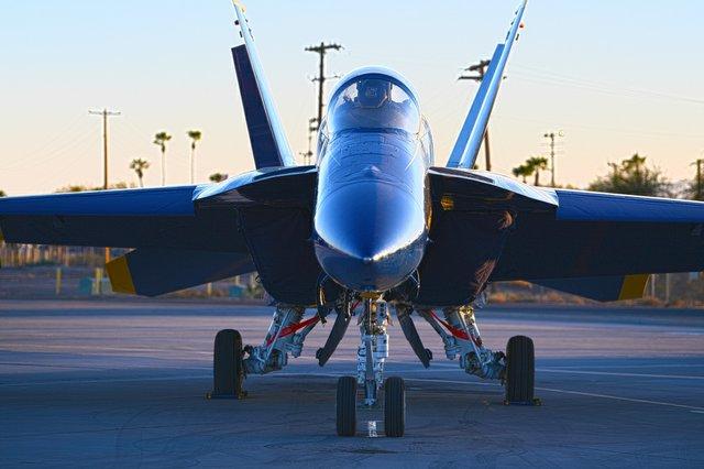 U.S. Navy Blue Angels FA-18 Super Hornet (19).jpg