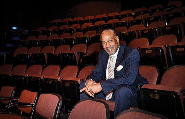Bill Ray Photo - In Theatre.jpg.jpe