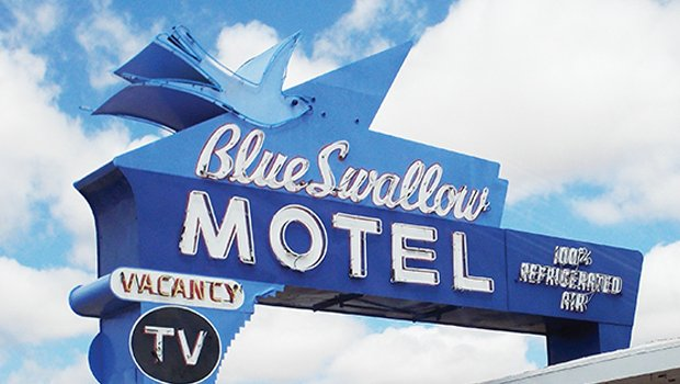 66-blue swallowmotel.jpg.jpe
