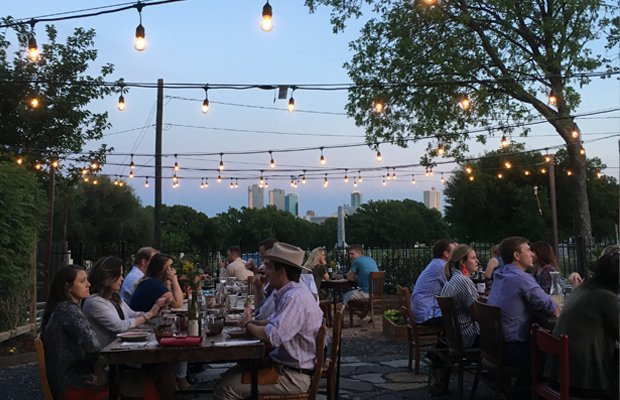 outdoor eatery.jpg.jpe
