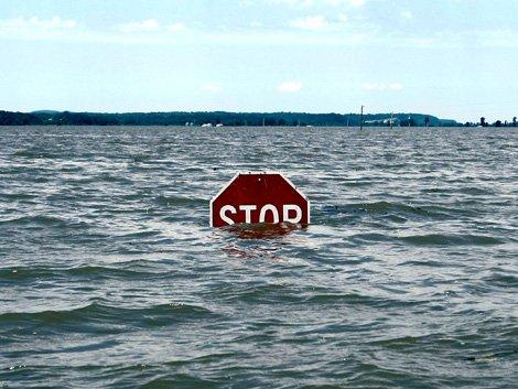 54ca72fdc66a0_-_flood-stop-sign-0908.jpg.jpe