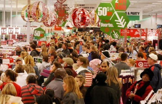 christmas-shopping-chaos-560x360.jpg.jpe